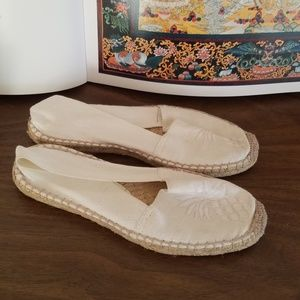 NEW TOMMY BAHAMAS PINEAPPLE ESPADRILLES SIZE 5/6